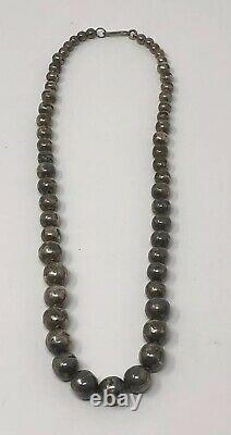 19 HAND MADE Vintage Navajo Graduated Sterling PEARLS Bench Bead Necklace