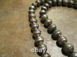 30 OLDER Vintage Navajo Graduated Sterling PEARLS Bench Made Bead Necklace