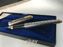 Original Parker 75 Sterling Silver Fountain Pen Made in USA 14kt Gold Point Box