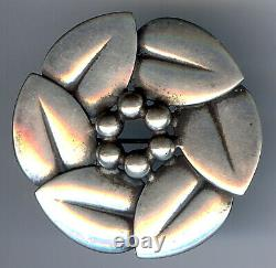 Quality Made Vintage Ed Denmark Sterling Silver Circle Of Leaves Pin Brooch